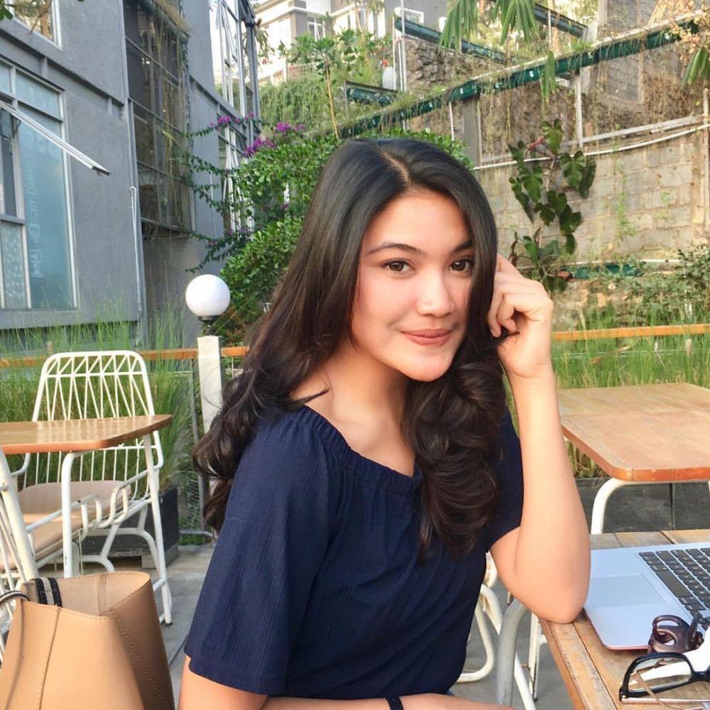 Nyanyi Sambil Bermain Piano, Putri Jasmine Dapat Pujian Dari Juri Di Indonesian Idol